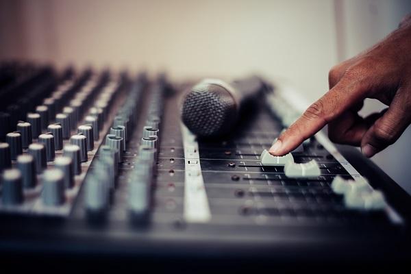 5 motivos para investir em equipamento audiovisual